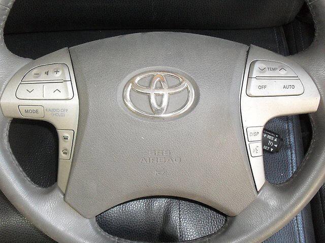 Кнопки на руле Камри