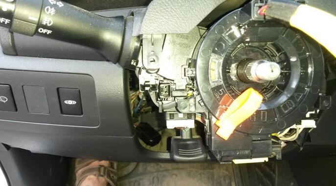 не работает рулевой переключатель отопителя на Тойота Камри