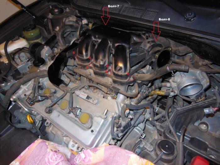 Замена свечей зажигания V-образного двигателя Тойоты Камри