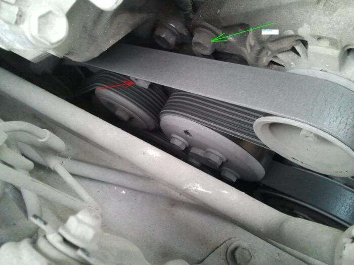 Крепление генератора на Тойота Камри 40 и 50 кузов