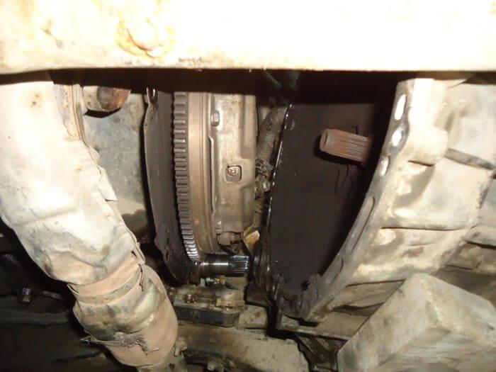 Разбор и замена деталей сцепления на Тойоте Камри