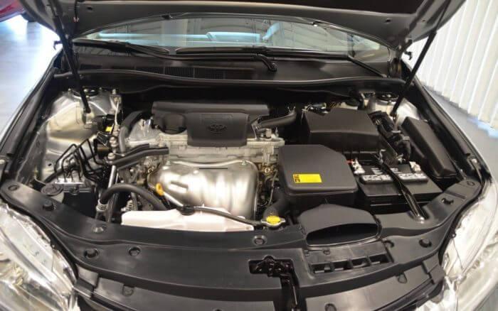Двигатель и его характеристиках на Тойоте Камри 2015 года