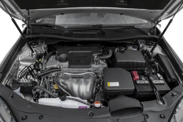 Двигатель и мощность Тойоты Камри 2017 года