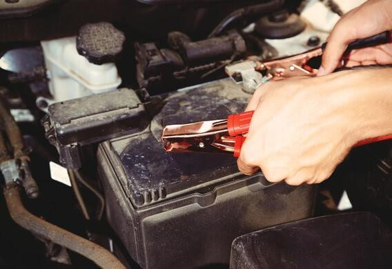 Двигатель глохнет после замены акумулятора