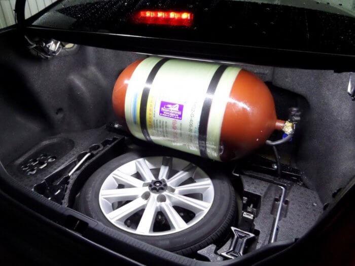Установка газ-аппаратуры в багажник Камри
